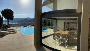 terrazza piscina giardino vetrate