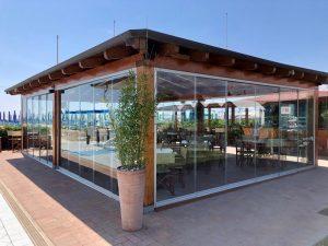 vetrata panoramica scorrevole esterni piscina terrazzi verande giardini