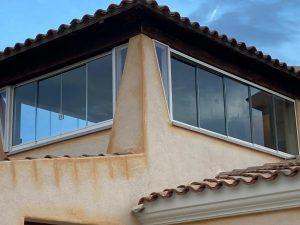 vetrata su misura balconi