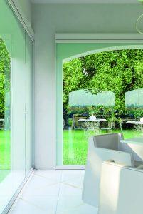 vetro panoramico a scomparsa giardino